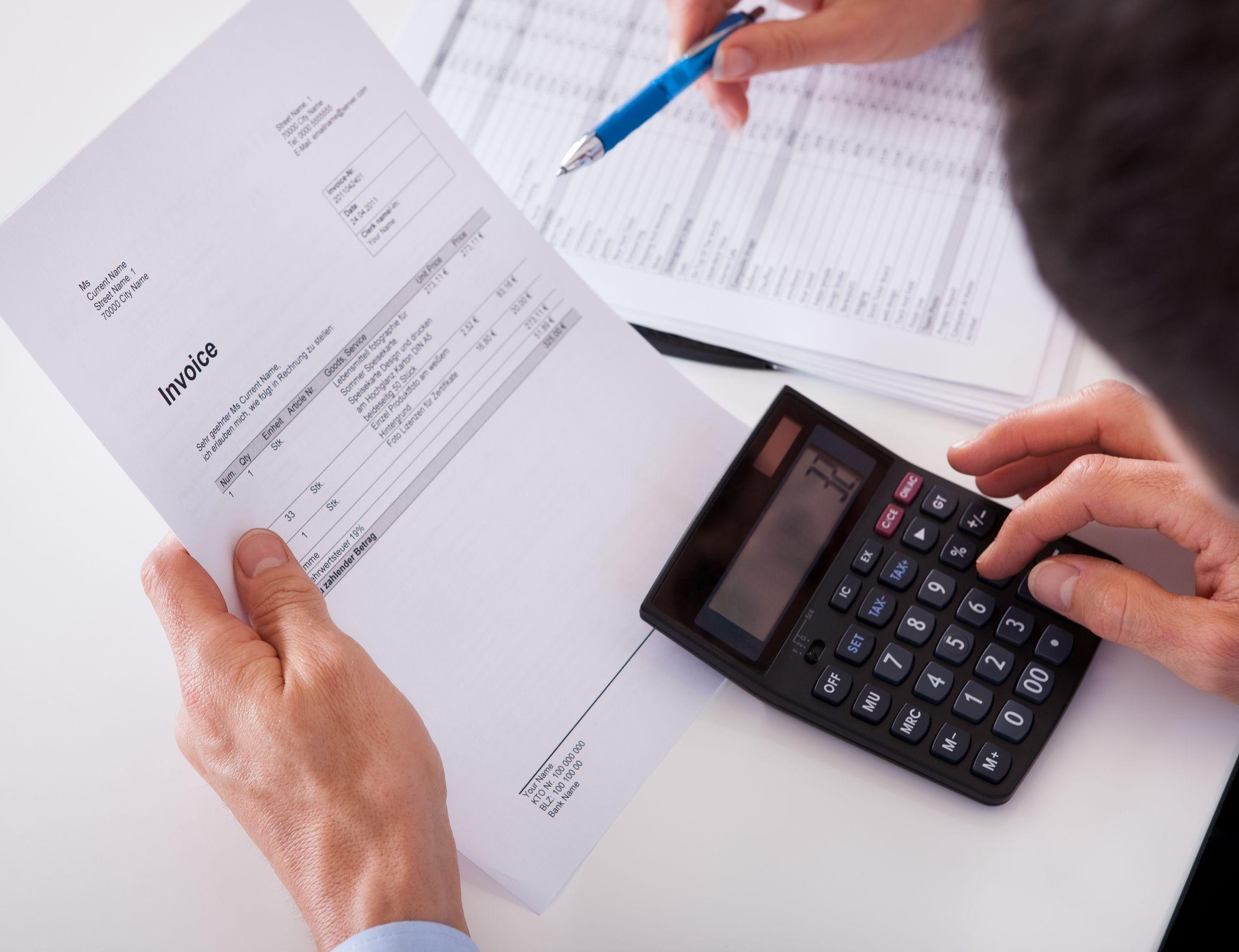 Requisitos de las facturas para que sean deducibles son: